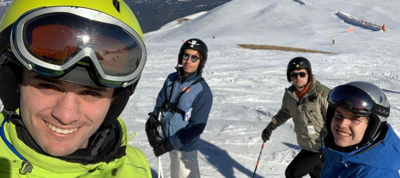 Los residentes del Colegio Mayor Pedralbes conquistan las cimas de las estaciones de esquí de La Masella y La Molina
