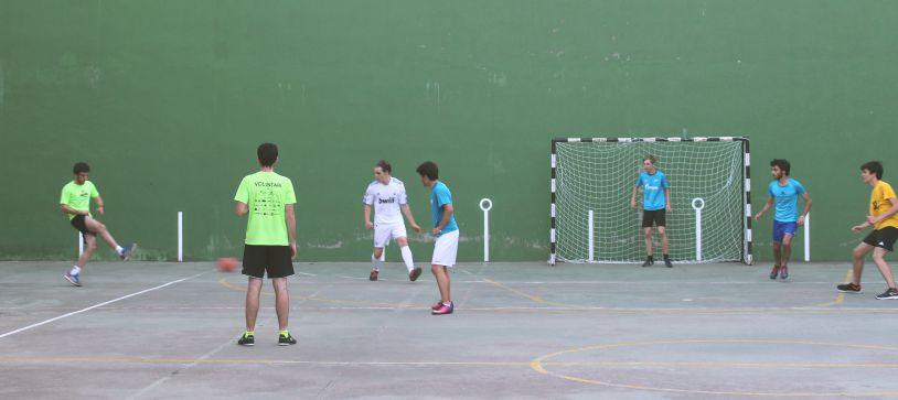 Comienza la liga interna de futbito en Pedralbes